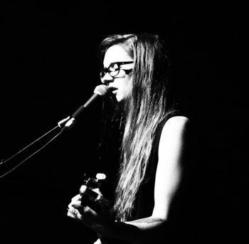 Ivy Rossiter aus Auckland ist der Kopf von Luckless und wird zusammen mit Letterbox Salvation und Chris Jansen am 25.02.2017 bei uns auftreten!