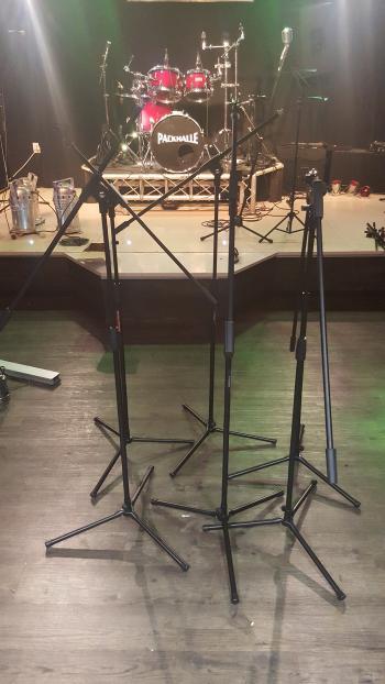 Wir haben von der Sögeler Firme LTV Entertainment sechs neue Mikrofonständer gespendet bekommen und bedanken uns recht herzlich!