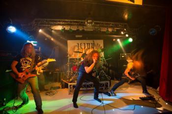 Das letzte Konzert in diesem Jahr wird laut und wild. Death und Thrash Metal in der Packhalle Soegel!